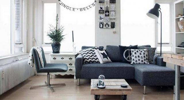 Cho dù đó là một chiếc ghế sofa, một cái giường, bàn làm việc, tủ búp phê hay tủ kéo; một cách tuyệt vời để khiến mọi người cảm nhận được không gian của căn phòng đó là sử dụng những đồ nội thất có chân thay vì những nội thất sát sàn.