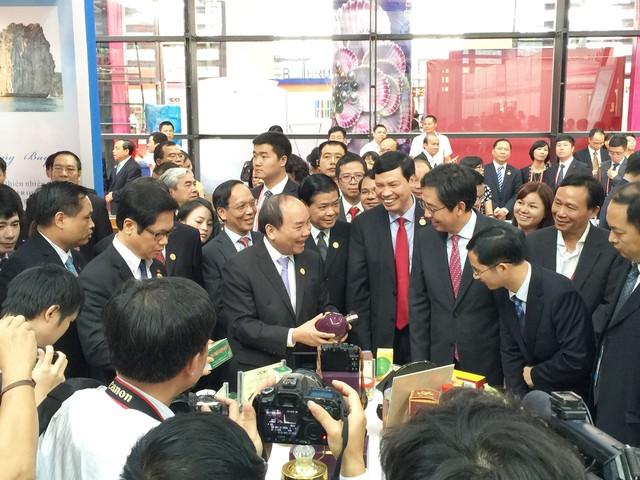 Thủ tướng Nguyễn Xuân Phúc có rất nhiều hoạt động phối hợp cùng VCCI trong các chương trình hỗ trợ DN.