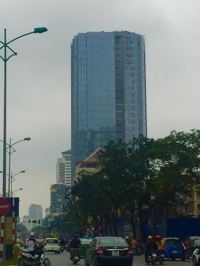 Tòa nhà nhìn từ hướng đi Láng Hạ - Giảng Võ.