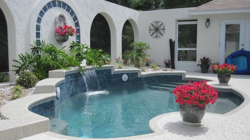 Đẹp lung linh với bể bơi (6)