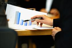 Vì sao doanh thu của các CTCK giảm hơn 30% trong 6 tháng đầu năm?