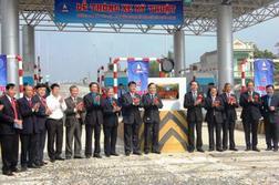 Thông xe 20km đường cao tốc hiện đại nhất Việt Nam