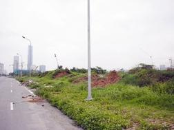 Khu đất quy hoạch xây dựng tòa tháp cao nhất Việt Nam hiện là bãi đất hoang.