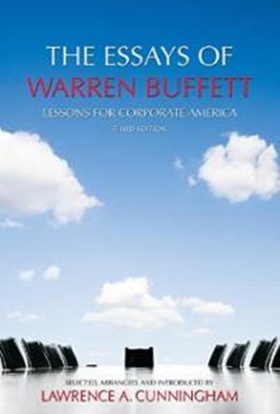 """5. """"Các tiểu luận của Warren Buffett: Bài học cho các doanh nghiệp Mỹ, tái bản lần thứ ba"""""""