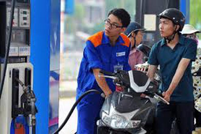 Từ 13h chiều nay: Giá xăng giảm 331 đồng/lít