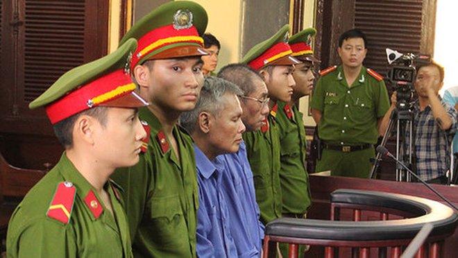 30 năm tù dành cho 7 Bị cáo phạm tội Tham ô tài sản