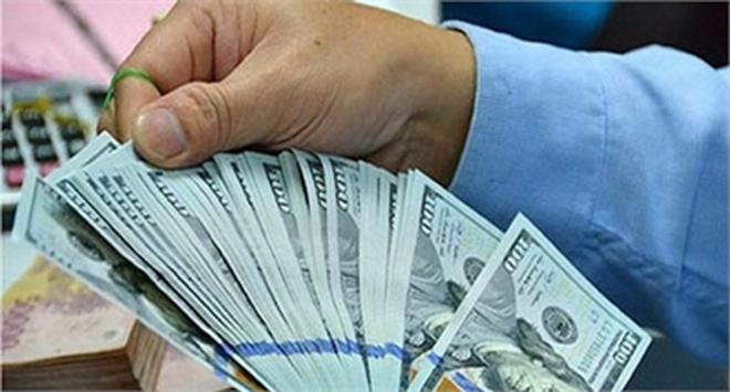 'Cuộc đấu' USD: Phá luật ngầm dân đầu cơ