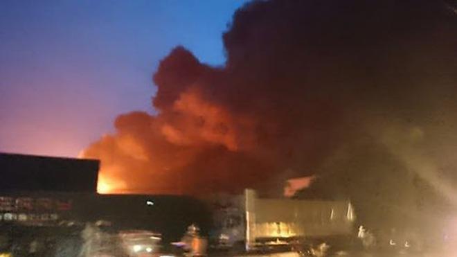Cháy lớn tại KCN Phố Nối A, Hưng Yên