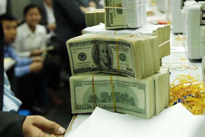 Giá USD đột ngột tăng vọt