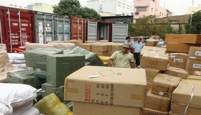 Phó Thủ tướng yêu cầu làm rõ vụ 10 container hàng lậu