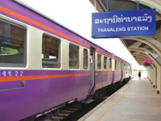 Nước cờ đường sắt xuyên Lào