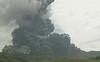 """Núi lửa lớn nhất Nhật Bản đột ngột """"thức giấc"""""""