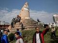 """Động đất Nepal: Giám đốc tài hoa của Google """"sống 100 kiếp người"""""""