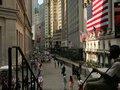 Đảo chiều trong những phút cuối, chứng khoán Mỹ tăng vọt
