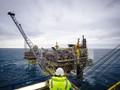 Giá dầu giảm, các nhà thám hiểm Bắc cực nản chí