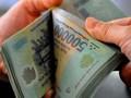 Lãi suất tiết kiệm lại vọt lên 17% một năm