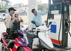 Giữ nguyên giá xăng, giá dầu giảm 120-264 đồng/lít,kg