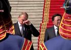Hình ảnh ông Putin rơi lệ khi nghe quốc ca Nga gây xôn xao