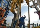 Năm 2015, điều gì chờ đợi giá dầu?