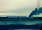 Cháy kho chứa vải, khói phủ một vùng rộng lớn