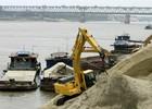 Hà Nội thí điểm đấu giá quyền khai thác cát ở quận Long Biên