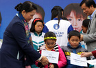 """Qũy sữa """"Vươn cao Việt Nam"""" đến với trẻ em nhiễm chất độc da cam Thái Bình"""