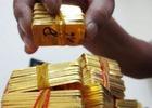 Giá vàng trong nước lại chênh lệch lớn với giá vàng thế giới