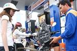 Giá xăng cao: Không phải nghịch lý, chỉ tại thuế phí