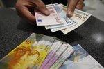 10 ngoại tệ đắt giá nhất thế giới