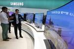 TV Samsung dính nghi án gian lận mức tiêu thụ năng lượng giống Volkswagen