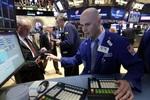 Tăng hơn 300 điểm, Dow Jones lấy lại số điểm đã mất từ đầu năm