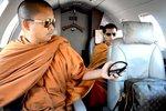Cuộc sống xa hoa của nhà sư Thái bị tố biển thủ 9 tấn vàng
