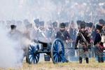 Chiến lược tấn công mạng sườn và trận Waterloo trong marketing