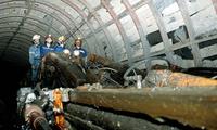 Có được sử dụng lao động nữ trong hầm lò?