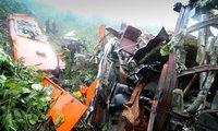 Bộ trưởng Đinh La Thăng đu dây xuống vực chỉ đạo tại chỗ vụ tai nạn