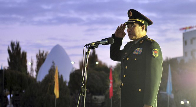 """Trung Quốc """"trảm"""" 15 tướng"""