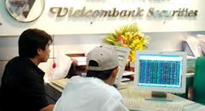 VCBS: Sống nhờ trái phiếu?