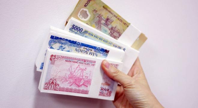 Dịch vụ đổi tiền lẻ vẫn ngang nhiên hoạt động
