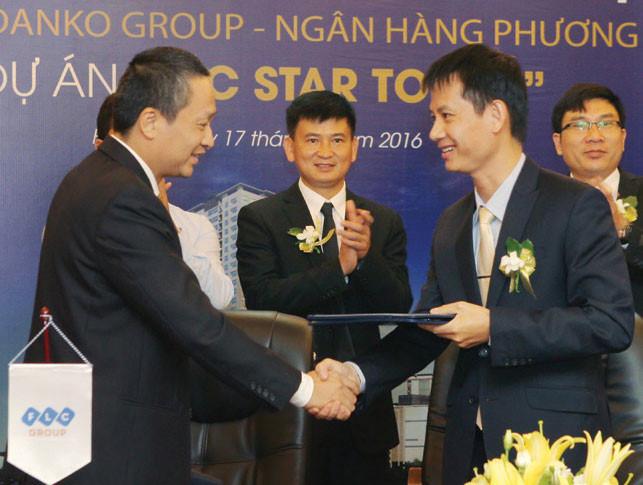 Hoạt động đầu tư các dự án ở phía Tây Nam diễn ra sôi động, những thương vụ hợp tác cũng diễn ra nhiều hơn. Ảnh: Danko Group ký kết với FLC phân phối dự án FLC Star Tower