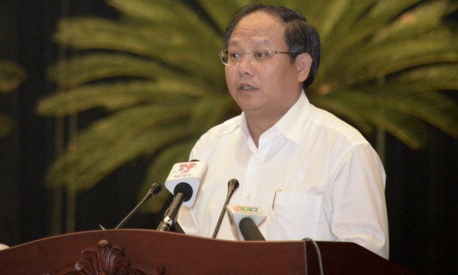 Phó bí thư thành ủy TP.HCM Tất Thành Cang phát biểu tại hội nghị - Ảnh: TỰ TRUNG