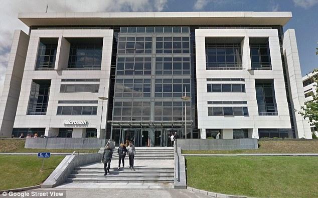 Microsoft chuyển doanh thu sang một chi nhánh khác tại Ireland để né thuế.