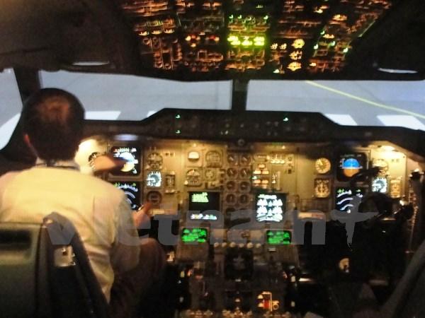 Chiếu tia laser làm tổn thương mắt phi công, uy hiếp an toàn bay