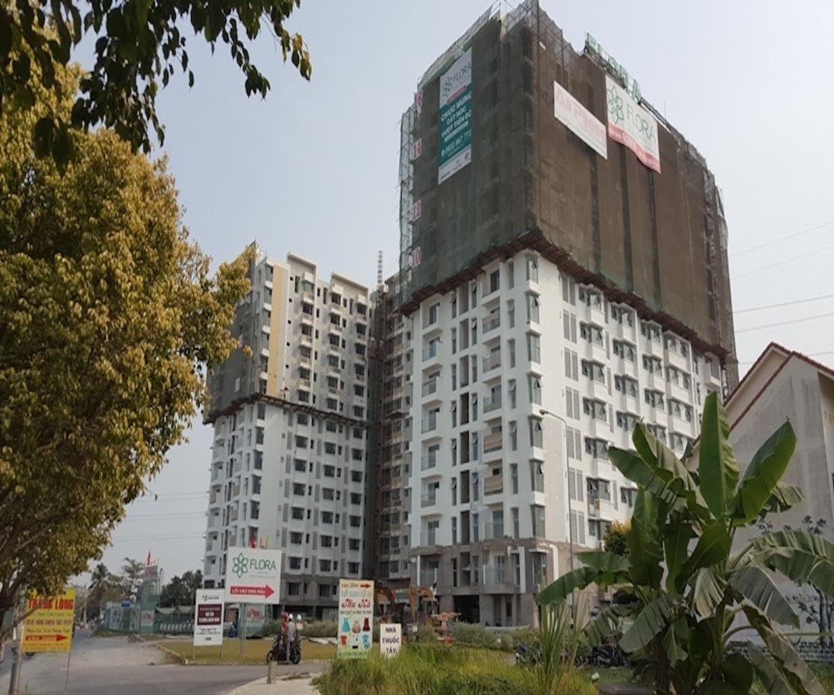 Dự án Flora Anh Đào thuộc dòng sản phẩm nhà ở hợp túi tiền của công ty Nam Long. Đây là dự án đầu tiên Nam Long hợp tác với những đối tác Nhật Bản cùng phát triển. Hiện nay dự án đã cất nóc, hoàn thiện nội thất và dự kiến bàn giao trong vài tháng tới.