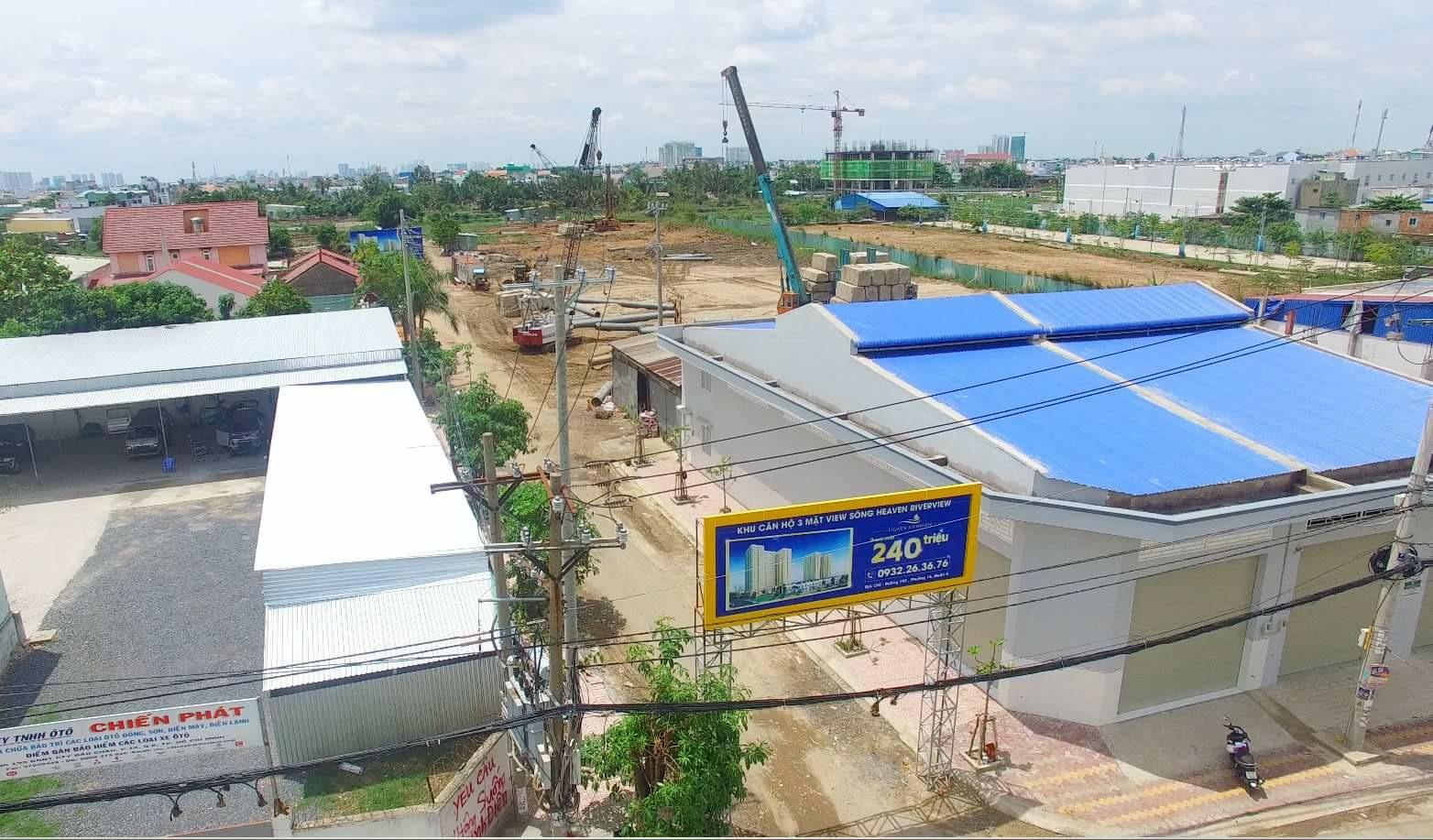 Dự án Heaven Riverview của Công ty nhà An Phú được xây dựng trên khu đất 1,7ha, bao gồm 2 block A và B cao 17 tầng với tổng cộng 960 căn hộ. Dù nằm tại trung tâm quận 8, nhưng dự án có giá từ 900 triệu đến 1,2 tỷ đồng. Hiện dự án đang hoàn thiện phần hầm.