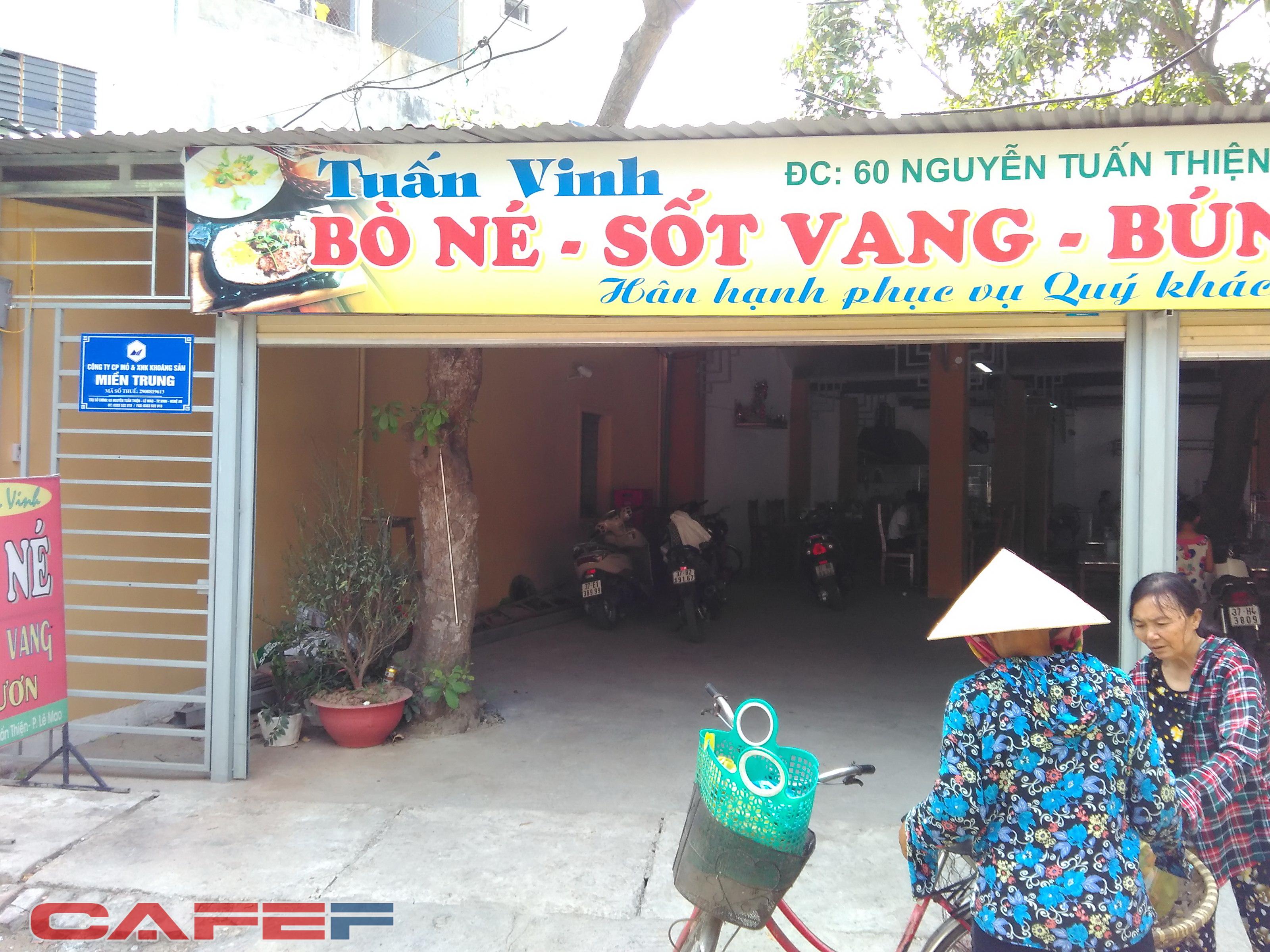 Địa chỉ công ty tại số 60 Nguyễn Tuấn Thiện bị che mờ bởi quán ẩm thực