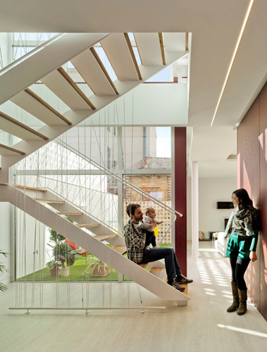 Ngôi nhà 3 tầng này là không gian sống lý tưởng cho gia đình nhỏ.