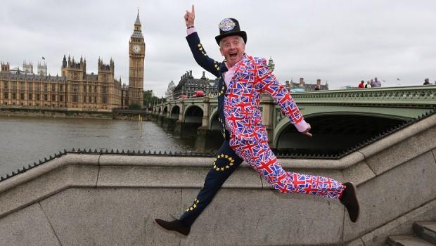 """Những """"cú đêm"""" ở London và """"ván bài bạc tỷ"""" Brexit"""