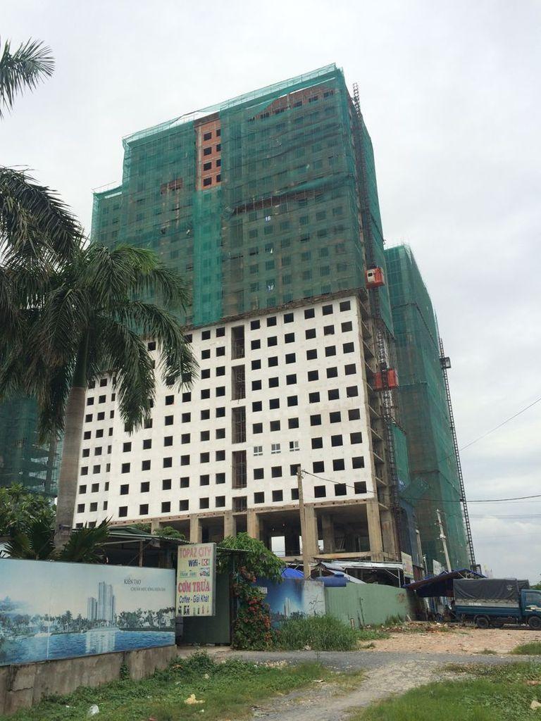 Thuộc sản phẩm nhà ở hợp túi tiền, Tính đến thời điểm tháng 7/2016, dự án căn hộ Topaz City vẫn đang trong quá trình hoàn thiện.