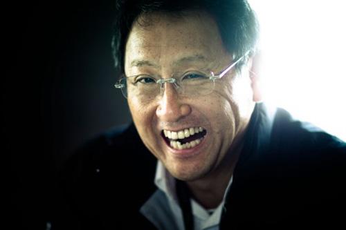 """CEO Akio Toyoda của Toyota là """"Nhân vật của năm"""" trong làng ô tô thế giới."""