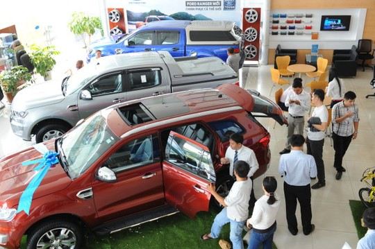 Hiện cứ 10 người đến mua xe thì có tới 4-5 người muốn sử dụng vốn vay ngân hàng.